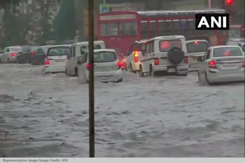 Waterlogging in several areas after rains in Delhi | Headlines