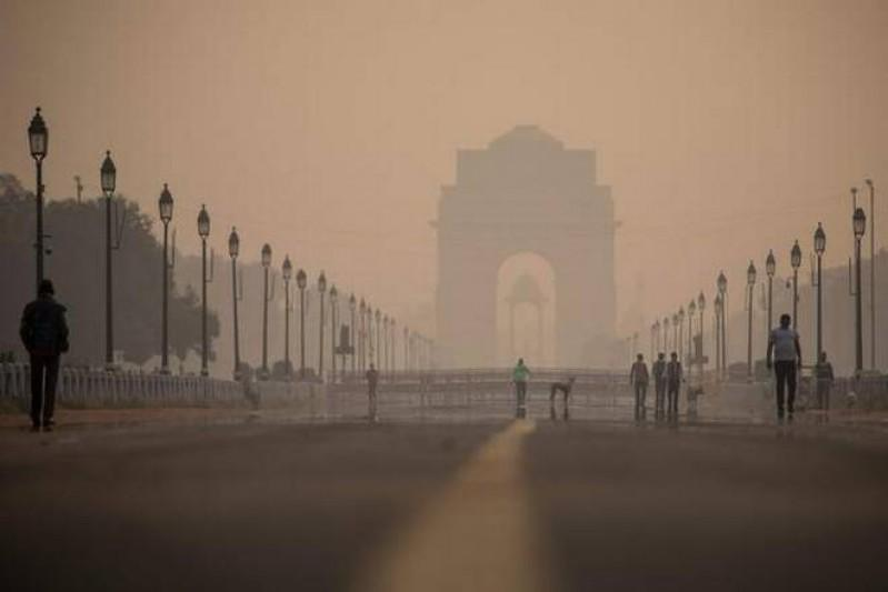 Delhi's minimum temperature drops to 10° C; IMD may declare cold wave
