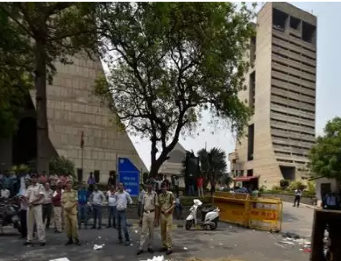 Major reshuffle in Delhi bureaucracy, deputy commissioner South made NDMC secretary
