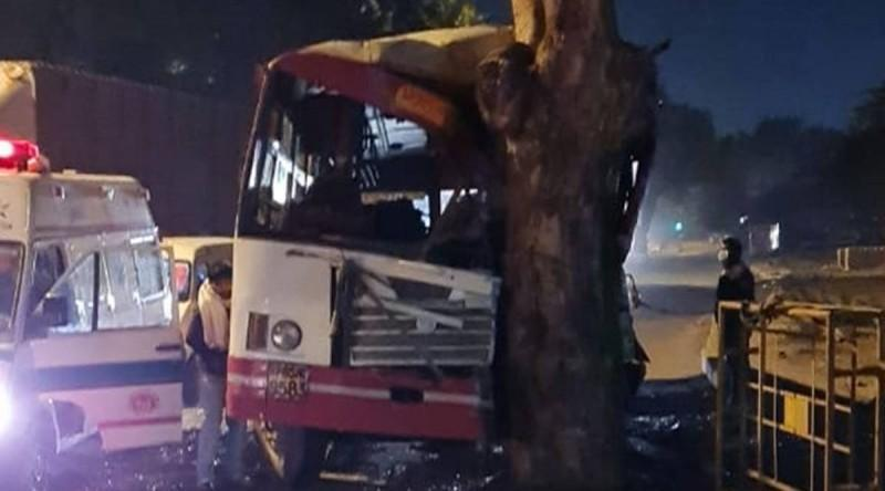 Delhi: 22 people injured after bus rams into tree in New Friends Colony