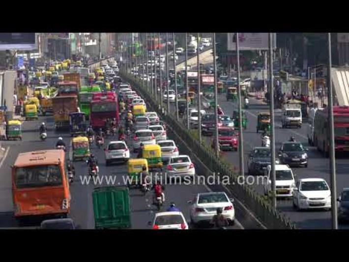 South Extension during rush hour: Traffic activity in Delhi during Peak corona infections