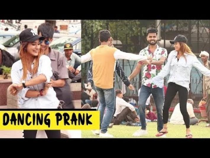 Dancing Prank Delhi | Trending October | South Delhi Girls |