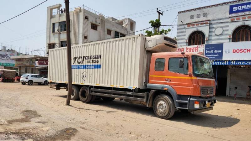 Truck rams into wall in south west Delhi;one minordead, 4 injured