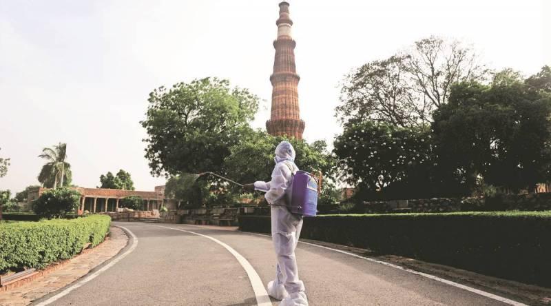 Illegal buildings near Qutub Minar Delhi HC seeks South MCD response